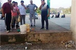 demand for action against canteen owner spreading dirt at bus stand