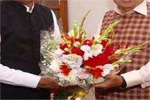 cm thakur meets union minister nitin gadkari
