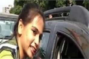 indore traffic police dancing girl social media video