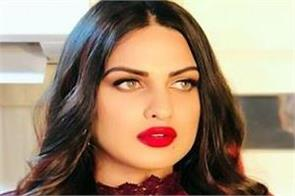 himanshi khurana wears a ring for safety said i am not engaged