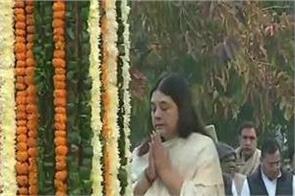 sanjay gandhi 73rd birthday wife maneka gandhi varun gandhi tribute