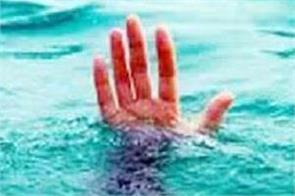 father held for throwing three children in canal