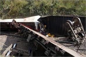 train derailment kills at least 30 in dr congo police