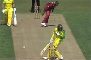 russell  s bouncer on the head of khawaja