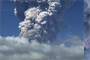 indonesia exploded sinabung volcano