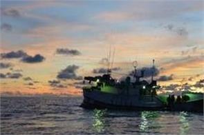 pakistan detains 30 indian fishermen