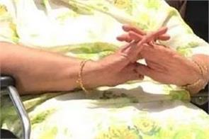 arjun singh wife saroj passed away