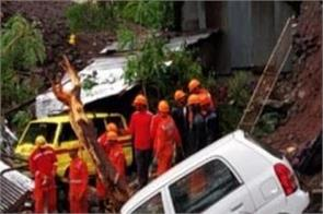 pune rains died wall collapses