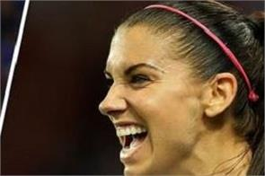 alex morgan persuaded england to signify a drink