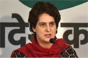 priyanka gandhi  s aide booked for assaulting  threatening journalist