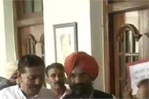 delhi vidhan sabha vijender gupta manjinder singh sirsa suspended