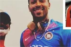 pandya s super fan injured in accident