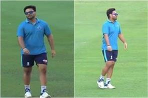 rishabh pant trolled due to increasing weight