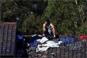 australian officials  1100 refugees