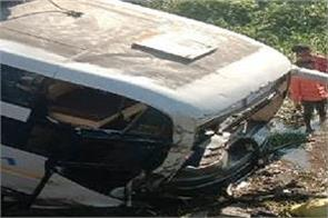 gujarat  bus full of passengers falls into a canal