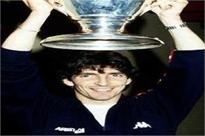 italy mourns football hero paolo rossi s death