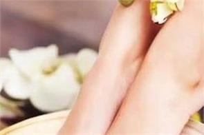 beauty tips  use coconut oil to make your feet beautiful