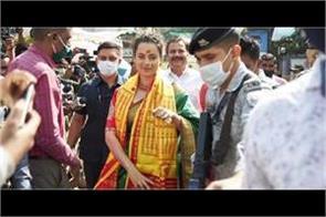 kangana ranaut visit mumba devi and shri siddhivinayak
