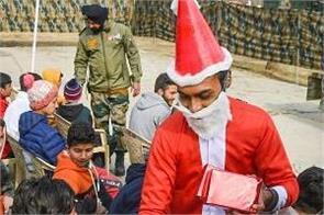 kashmir army jawan santa children gifts