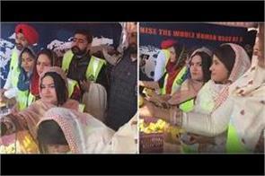 punjabi female singers visit delhi for supporting farmers