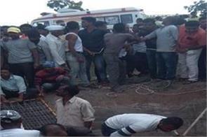 maharashtra road accident