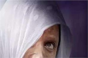 deepika padukone court lawyer laxmi agarwal chhapaak film stay