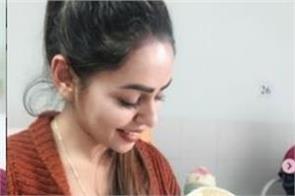 punjabi singer jenny johal shared pics with her new born niece