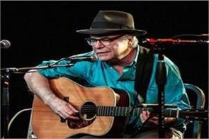 david olney  acclaimed us songwriter dies on stage after apologising mid song
