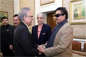 shatrughan sinha calls on president of pakistan to discuss kashmir