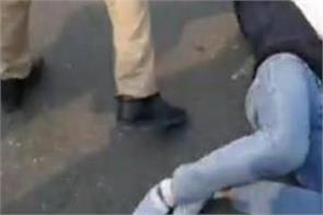 bathinda  traffic police  youth  beaten