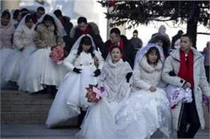 china urges no weddings  short funerals to contain virus