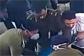 kolkata airport traveler cisf help