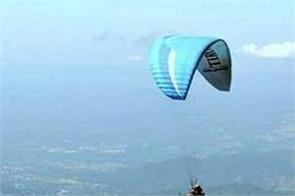 youth dies paragliding in bir billing kangra