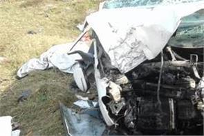 2 friends death due to road accident