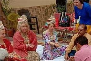 russian women married with peepal tree