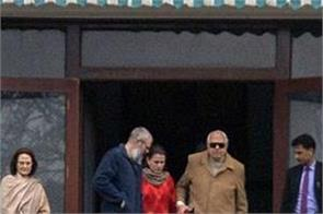 farooq abdullah omar abdullah meet detention