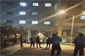 delhi corona virus patient commits suicide in safdarjung hospital