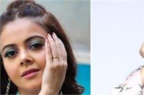 after audio clip went viral shehnaazs fans gets angry at devoleena