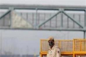 coronavirus delhi police duty one lakh help