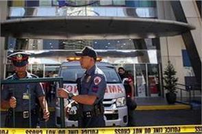 police shot dead for violating lockdown in philippines