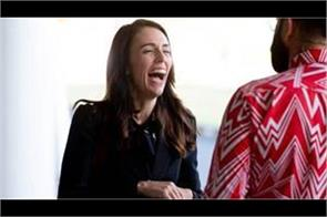 new zealand pm did not get entry into cafe when followed social distance