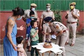 gift given by delhi police to mary kom son