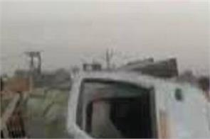vegetable traders pickup van truck collision 6 deaths