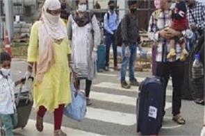 delhi airports flights canceled passengers upset