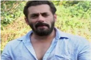 salman khan donates hand sanitizers to the mumbai police