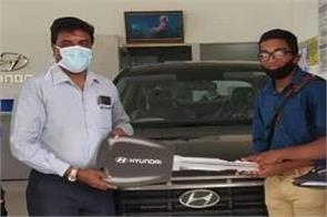 hyundai reopens 255 showrooms  delivering 170 cars in just 2 days