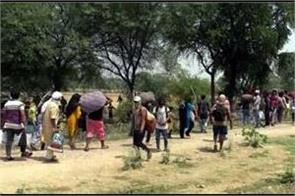 thousands of hungry  helpless migrants stuck at up mp border