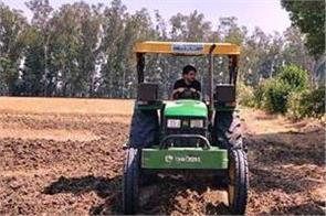 singer kulwinder billa made a special appeal to the farmers