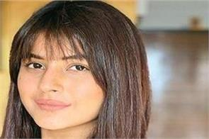 shehnaaz gill charges 8 to 10 lakh rupess fee for one instagram post
