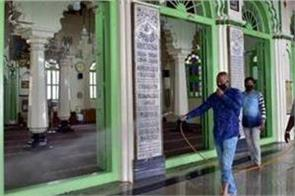 dargah in bareilly opposes alcohol based sanitizer